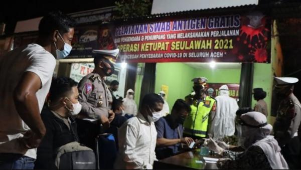 Cegah Penyebaran Covid-19, Ditlantas Polda Aceh Gelar Pelayanan Swap Antigen Gratis