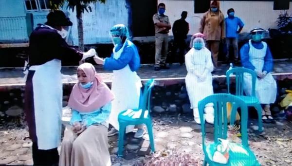 Jenguk Bayi, 18 Orang Positif Covid-19, Ratusan Warga Satu Desa Jalani Swab Massal