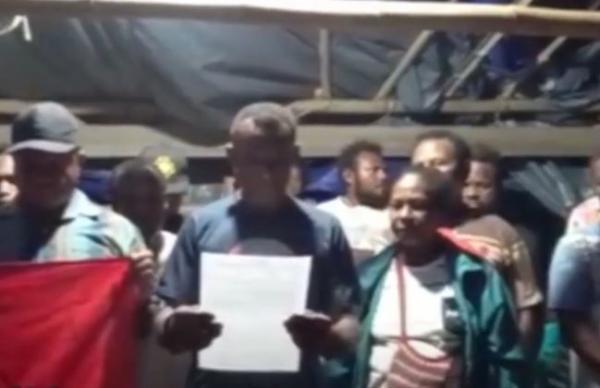 Video Eksklusif Alex Hamberi Teroris KKB Papua Menyerahkan Diri