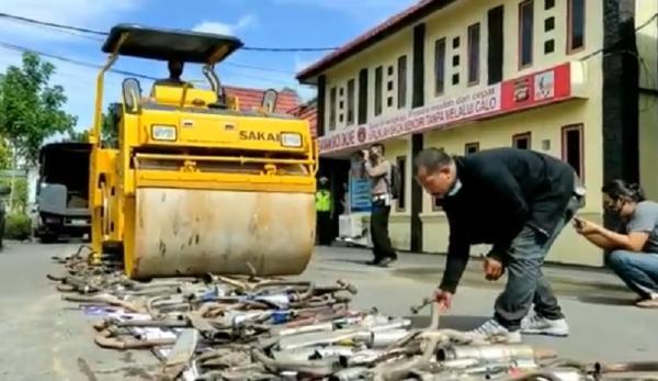 Ratusan Knalpot Brong Hasil Razia Ramadan Dimusnahkan Polresta Pontianak