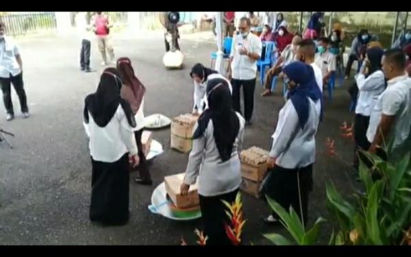 Ribuan UKM di Lahat Menerima Bantuan Alat dan Bahan Produksi
