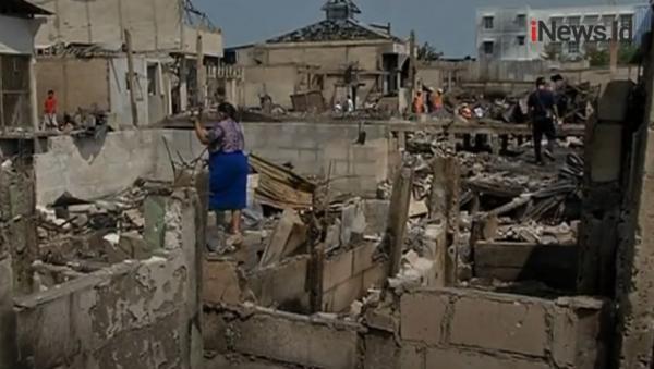 Video Ratusan Rumah di Penjaringan Terbakar, Warga Mengais Barang yang Tersisa