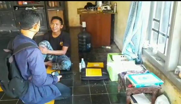 Diduga Terlibat Jaringan Teroris, Guru Ngaji Ditangkap Densus 88 di Ciamis