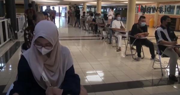 Video Ribuan Jemaah di Surabaya Antre Mendaftar Salat Idul Fitri