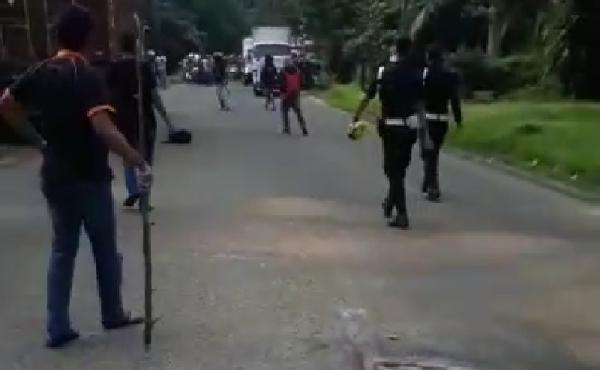 Orang Stres Ancam Pengendara di Tangsel Pakai Kelewang, Polisi: Sudah Diamankan