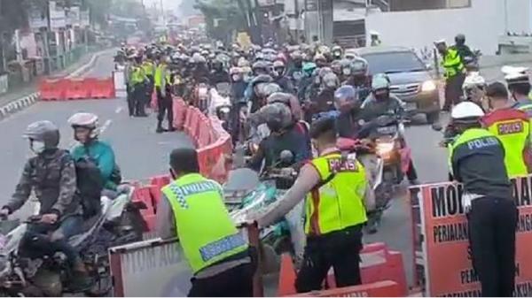 Jalur Pantura Ditutup Total Jelang Lebaran, Ribuan Pemudik Motor Diminta Putar Balik