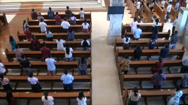 Katedral Denpasar Gelar Misa Kenaikan Isa Almasih dengan Prokes Ketat