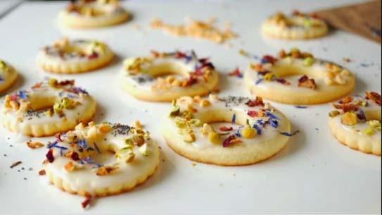 Unik! Bikin Cookies dari Edible Flower, Mudah dan Renyah