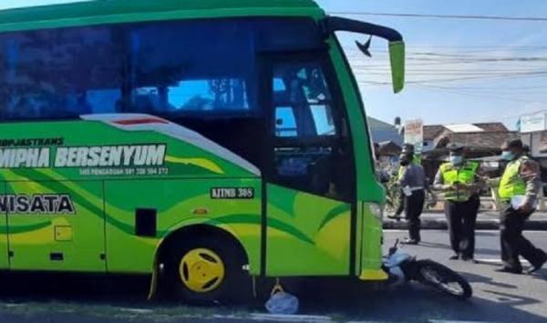 Bus Pariwisata Tabrak Motor di Ring Road Utara Sleman, Dua Lansia Tewas