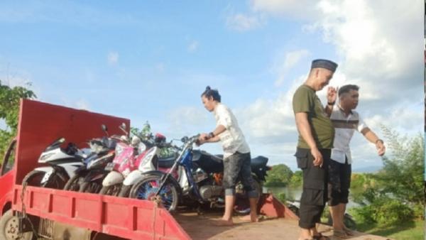 Gerebek Judi Sabung Ayam, 10 Motor Warga Diamankan Polisi