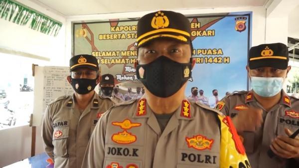 Polisi Swab Test Antigen Pemudik di Pelabuhan Ulee Lheue