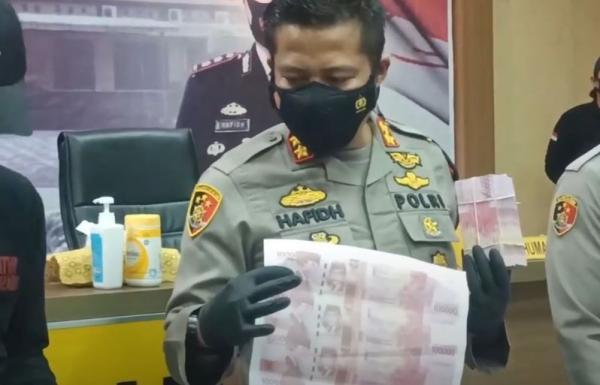 Video Polisi Bongkar Sindikat Pengedar Uang Palsu Senilai Rp11 Miliar