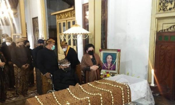 Putri Paku Buwono XII Meninggal, Ini Firasat Gusti Moeng