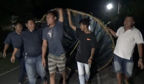 Bahaya, Balon Udara Jatuh di Area Jalur Penerbangan dan Jalan Tol Solo-Semarang