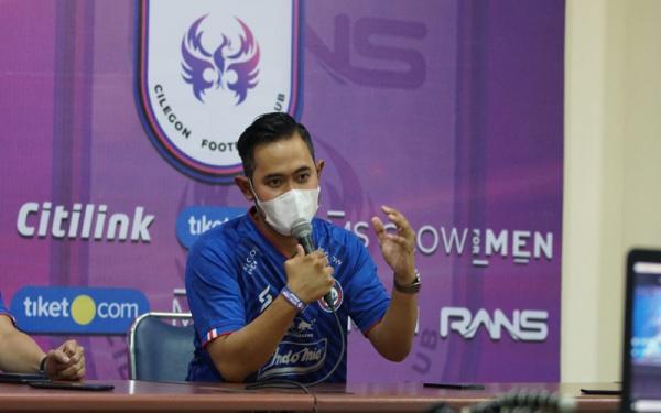Gerak Cepat, Presiden Baru Arema FC Gilang Widya Pramana Bidik Pemain Asing