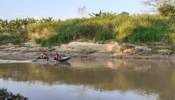 Mandi di Sungai Cisanggarung Cirebon, Bocah 13 Tahun Hilang Tenggelam