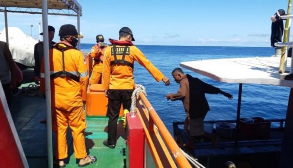 Basarnas Ternate Evakuasi 16 ABK KM Mulin yang Mati Mesin di Perairan Halsel