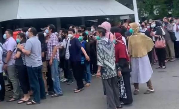 Vaksinasi Gratis Timbulkan Kerumunan, Pemprov Jateng Dikritik Dewan
