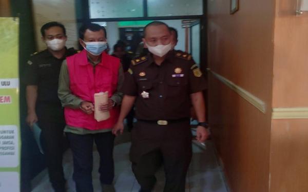 Korupsi Dana Desa Rp200 Juta, Kades Begedung OKU Dijebloskan ke Tahanan