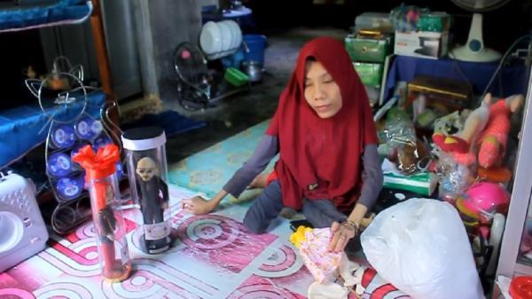 Viral Perempuan Penyandang Disabilitas Jago Bikin Boneka, Ada yang Mirip Deddy Corbuzier