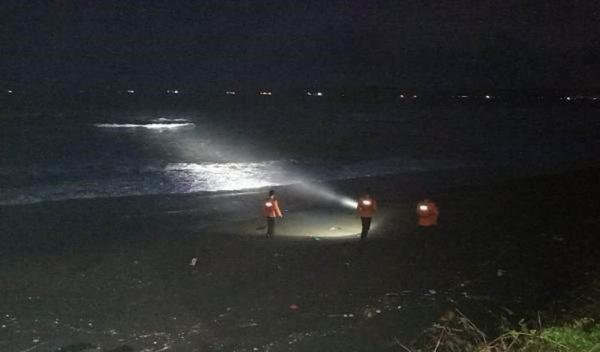 Asyik Bermain, Remaja 14 Tahun Hilang Tenggelam di Pantai Lengkong Cilacap
