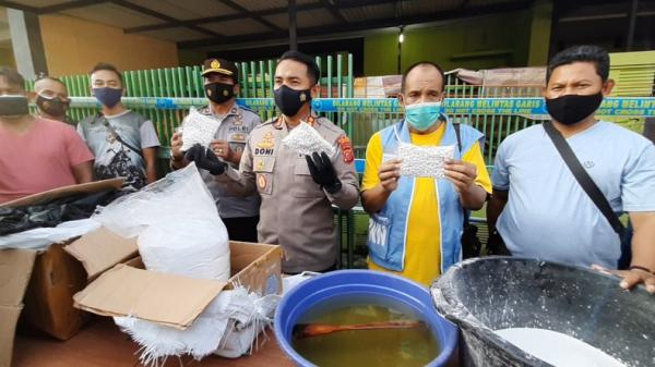 BNN Sita 700.000 Butir Obat Ilegal dan Tangkap 5 Tersangka dari 2 Rumah di Cipedes Tasikmalaya