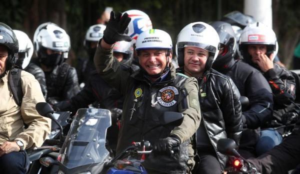 Presiden Brasil Didenda Rp1,5 Juta karena Tak Pakai Masker saat Konvoi Sepeda Motor