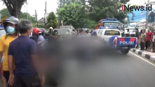 Video Guru SMP Tewas Tertabrak Truk di Purwakarta