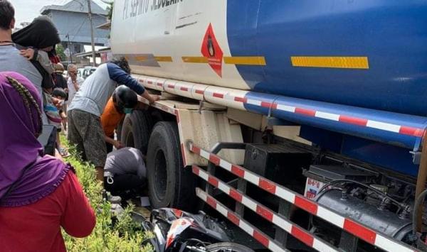 Truk BBM di Bangka Tengah Lindas Pemotor hingga Korban Luka Berat