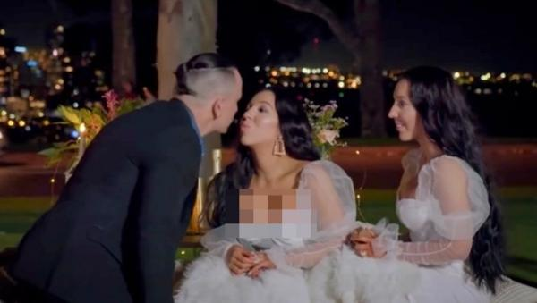 Aneh, Dua Perempuan Kembar Ini Ingin Nikah dan Punya Anak dari Pria yang Sama
