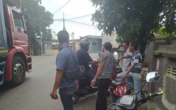 Modus Pungli Preman di Pelabuhan Lembar, Tumpangkan Pejalan Kaki ke Mobil Truk