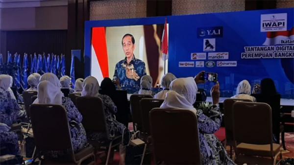 Presiden Jokowi Butuhkan Peran IWAPI untuk Bangkitkan Ekonomi Nasional