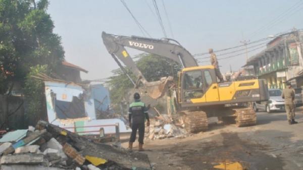 Satpol PP Bogor Gelar Operasi Penertiban, 153 Bangunan Liar Diratakan