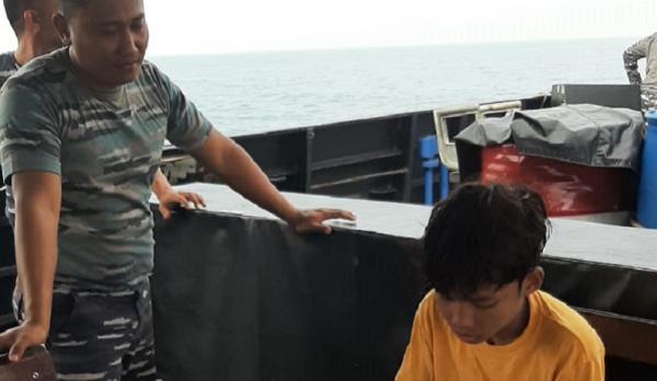 Jatuh dari Kapal, Pelajar Ini Mengapung Selama 3 Jam di Tengah Laut