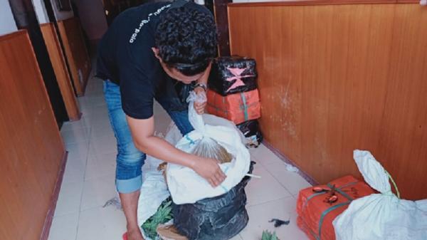Polres Kepulauan Sangihe Gagalkan Penyelundupan 208 Botol Miras Cap Tikus ke Manado
