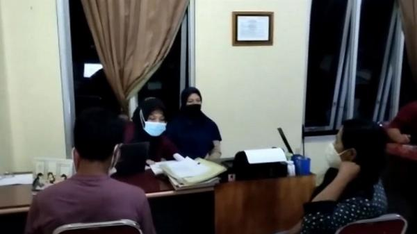 Suami dan Anak-Anak Terkejut Lihat Video Mesum Istri Bersama Selingkuhan di Kepahiang