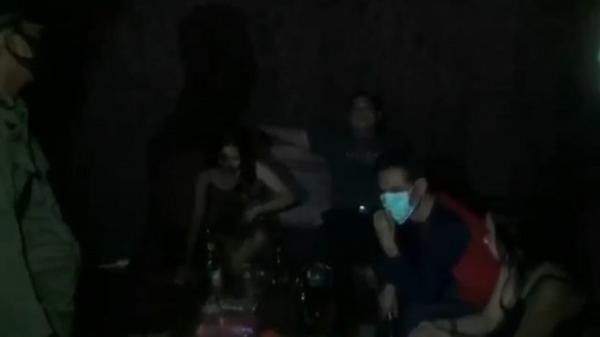Pengunjung Kafe di Pantura Subang Kocar-kacir Dibubarkan Satpol PP