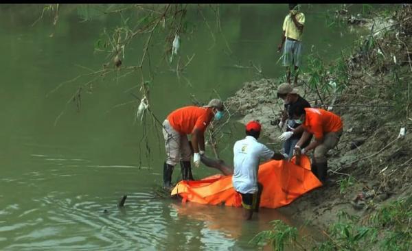 Grobogan Gempar, Mayat Tanpa Busana Ditemukan Mengapung di Sungai Lusi