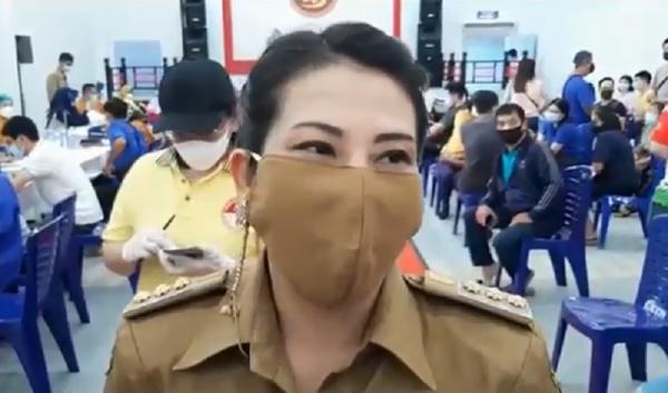Warga Singkawang Antusias Divaksin, Wali Kota Tjhai Chui Mie: Target 1.000 Orang