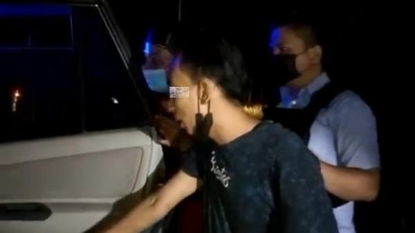Heboh, Sopir Travel dan Seorang Wanita di Palangkaraya Tepergok Mesum Dalam Mobil