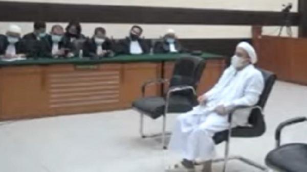 Hakim Vonis Habib Rizieq Shihab 4 Tahun Penjara terkait Kasus Tes Swab Covid-19 di RS Ummi Bogor