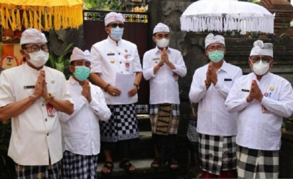 Warga Tabanan Bali Diancam Sanksi Penundaan Bansos Bila Menolak Vaksinasi