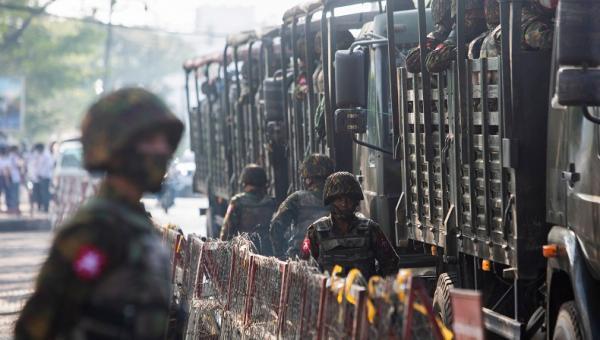 Konvoi Tentara Myanmar Diserang Bom, Milisi Sipil Semakin Berani