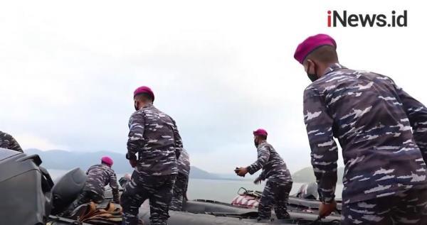 Video Korps Marinir TNI AL Jemput Warga Pulau Terpencil untuk Vaksin