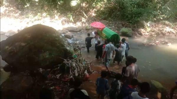 Gegara Beda Pilihan Kades, Jenazah Warga yang Dikubur 3 Tahun di Pandeglang Harus Dibongkar