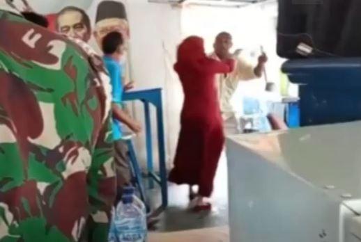 Video Razia PPKM Darurat di Medan, Pemilik Warung Kopi Siram Petugas dengan Air Panas