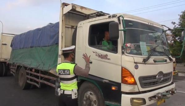 Exit Tol Ditutup, Sopir Truk: Kalau Gini Terus-terusan Nggak Bisa Kerja, Mati lah Pekerjaan