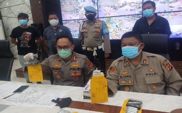 4 Orang Ditangkap Akan Unjuk Rasa di Balaikota Bandung, Bawa Senpi dan Tramadol
