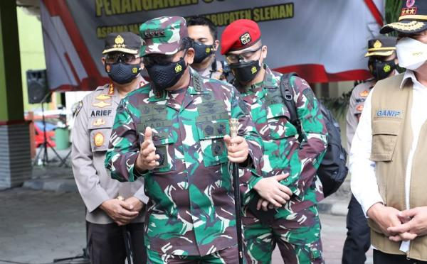 Tinjau Asrama Haji Sleman, Panglima TNI: Isoter Upaya Pemerintah Tangani Pasien Covid-19