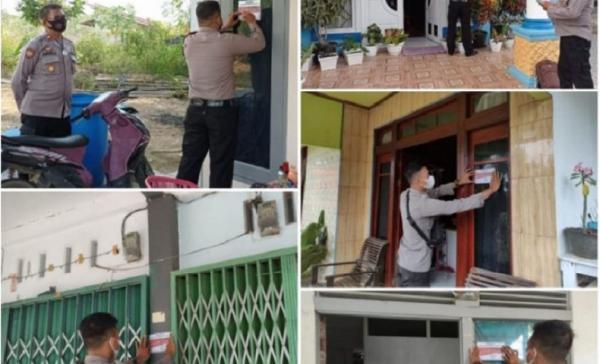 Polisi Pasang Stiker Tandai RumahPasien Covid-19 dan Isolasi Mandiri di Sekadau
